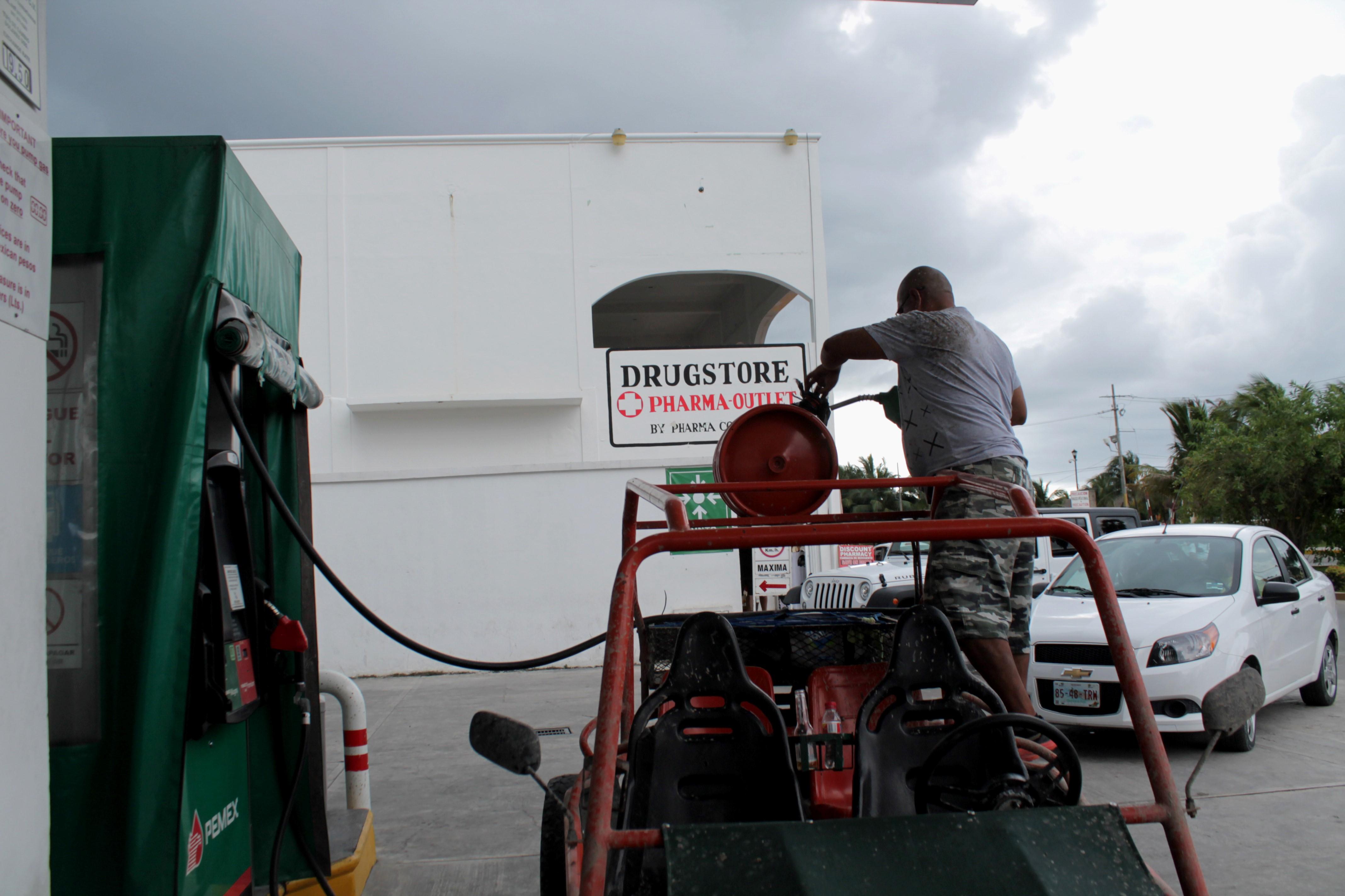 Gasolinería en Caleta