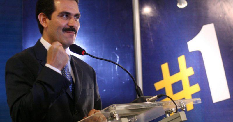 Guillermo Padrés benefició a empresa 'fantasma' de su hermano