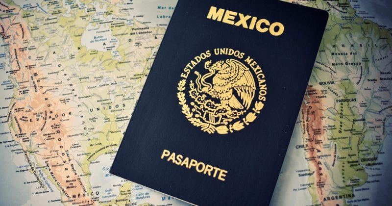 Premian con nuevo contrato a empresa que falló en pasaportes